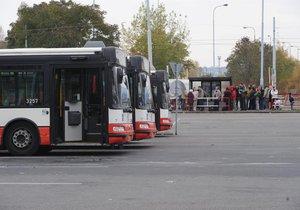 Autobusy v Čestlicích za Prahou budou dočasně jezdit jinudy (ilustrační foto).