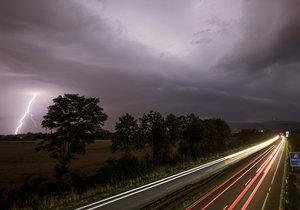 V Německu zabíjely bouřky. Nechávají za sebou podzimní počasí