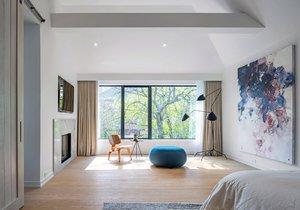 Starý dům se proměnil ve svěží minimalistický domov evokující apartmán v New Yorku