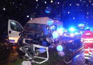 Tragická dopravní nehoda se stala v pátek 11. srpna večer v brněnské Bystrci. Srážku dvou aut nepřežil řidič (34) osobního vozu.