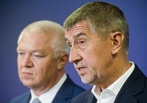 Andrej Babiš (vpravo) a Jaroslav Faltýnek (vlevo) čelí trestnímu stíhání kvůli dotaci pro farmu Čapí hnízdo.