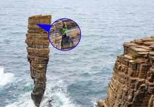 Dechberoucí! Čtyři horolezci se rozhodli zdolat skálu uprostřed oceánu.