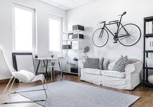 Napadlo vás, že jízdní kolo můžete například zavěsit na zeď