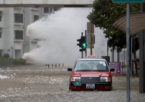 Tajfun straší Japonsko.