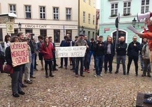 Odbory vyslyšely volání učitelů, vyhlásily stávkovou pohotovost.