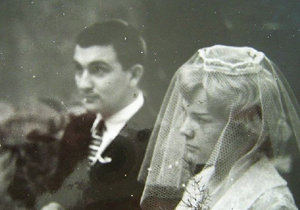 Svatba Evy Pilarové a hudebníka Milana Pilara se uskutečnila v roce 1960