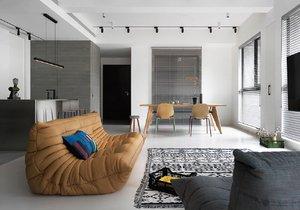 Nadčasová elegance a minimalismus. Vzdušný interiér, který působí jako poklidný přístav uprostřed velkoměsta.