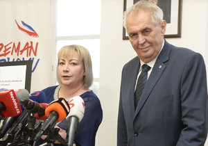 Kandidát na prezidenta Miloš Zeman: Pobouřil kun*ou, nad nohy vyzdvihl mozek