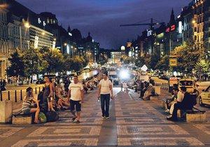 Na Václavském náměstí potkáte nejrůznější lidi. (ilustrační foto)