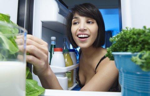 Největší nebezpečí ledničky: Zásuvky na zeleninu!