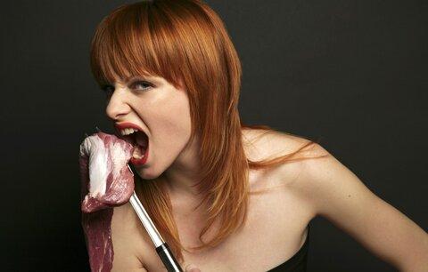 Nejíte červené maso? Pozor, můžete začít trpět depresí!
