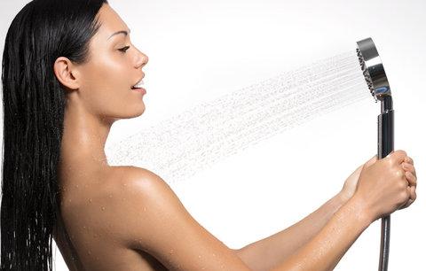 Chyby při sprchování: Čím si škodíte a ani o tom nevíte