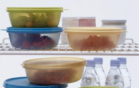 Jak zbavit plastové krabičky na jídlo skvrn a zápachu? Poradíme vám!