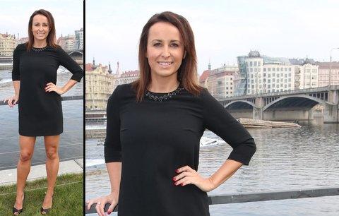 Styl podle celebrit: Moderátorka Lucie Šilhánová vsadila na malé černé!