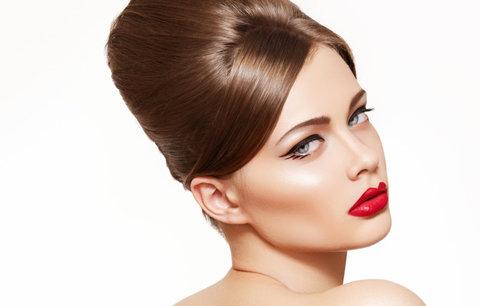 100 let krásy: Jak se změnily trendy v líčení a účesech?
