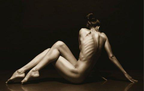 Absurdita kultu vyhublé krásy: Co se skrývá za postavou jako z plakátu?