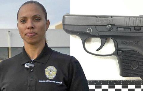 Fatální selhání ´bezpečáků´ na letišti v Los Angeles: Do letadla hladce pronesla pistoli!