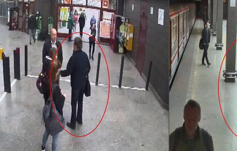 Úchyl v pražském metru osahával školačky: Jedné dal ruku mezi nohy, druhé sáhl na prso