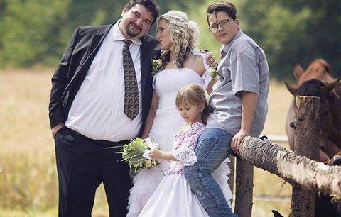 Režisér Bastardů Tomáš Magnusek se oženil! Do poslední chvíle svatbu tajil před manželkou
