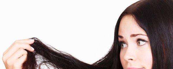 Produkty na vlasy, které byste už nikdy neměla použít? Silikony a sulfáty!