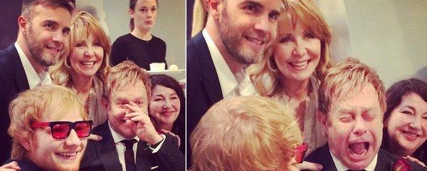 Unikátní fotky ze svatby Eltona Johna: Fotil se bez brýlí a křenil se jako malé dítě!