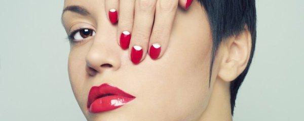 Vyzkoušeno: Gelové nehty, gel-lak i striplac. Který je nejlepší?