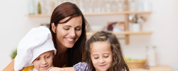 8 tipů do domácnosti, které by měla každá máma naučit své děti