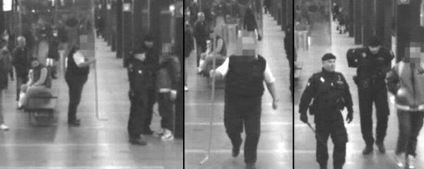 Opilec vytrhl v metru kovové madlo: Ohrožoval jím cestující