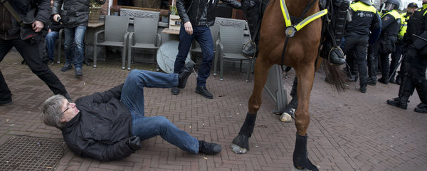 Proti islámu protestoval s Pegidou i Černoch. V Nizozemí se servali