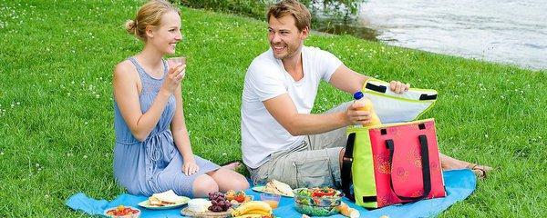 Jak udržet na cestách jídlo čerstvé a nápoje studené i při vysokých letních teplotách?