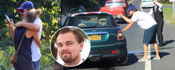 Co neubrzdíš, to neukecáš! Nabouraný DiCaprio plísnil řidičku a utěšoval milenku