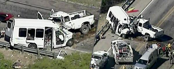 Minibus plný lidí se čelně střetl s dodávkou: Nejméně 13 mrtvých