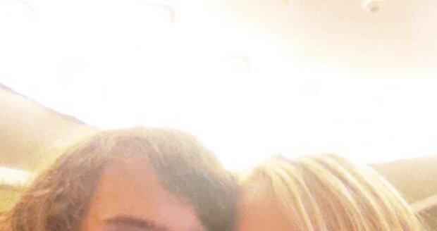 Filip Kratochvíl (15) se svou přítelkyní Karolínou (17)