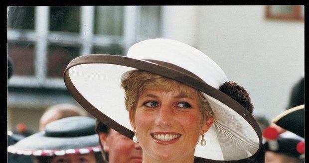 Zítra uplyne 17 let od smrti Lady Diany. Její život ve fotografiích