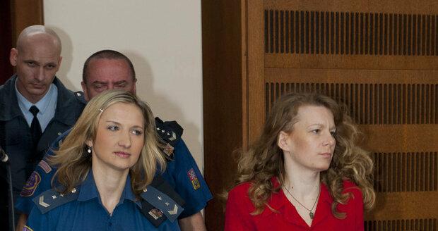 Vražedkyně čtyř dětí tvrdí, že si nepamatuje, že by kdy nějaké potomky měla