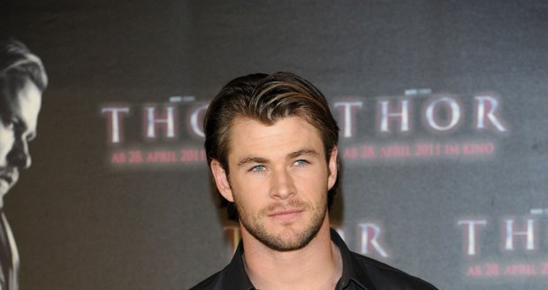 Chris je známý filmovou rolí Thora