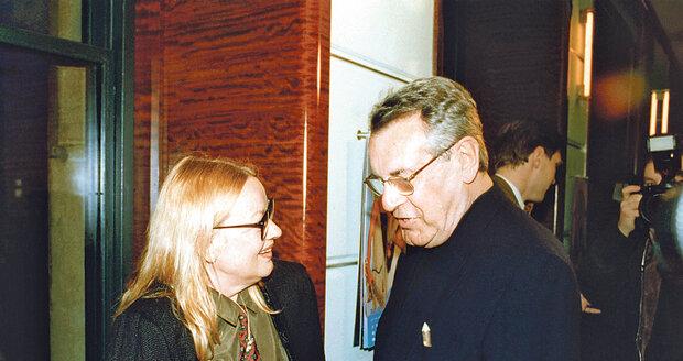 2002 -  Kdykoli se Forman objevil v Praze, sešel se s Janou.