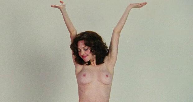 video znásilnění prsa video