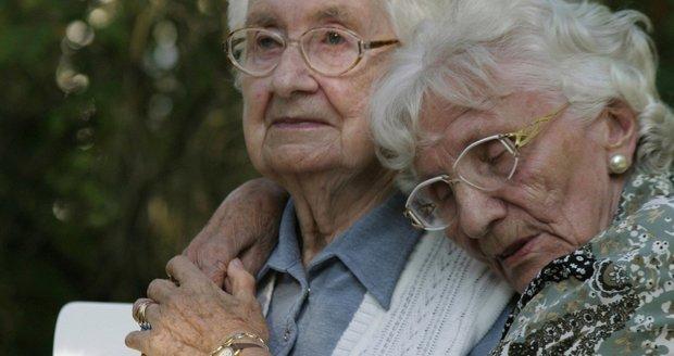 """Do důchodu v 73,5 letech? Babiš z """"hororové"""" varianty zřejmě sleví"""