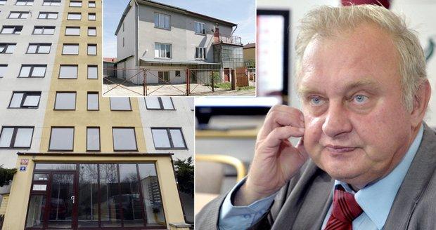 Miloslav Ransdorf: Věčně zadlužený europoslanec, kterému kdosi dal šest milionů