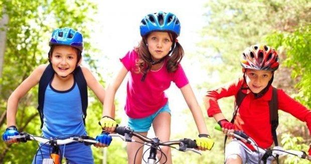 Naučit dítě jezdit na kole není tak těžké.