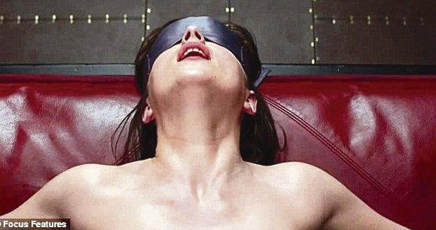 Sex jako z románu! Nejerotičtější polohy z knihy Padesát odstínů šedi