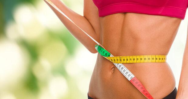 Břicho pevné a ploché jako prkno? Není problém. Vyzkoušejte cviky, které jsme pro vás připravili!