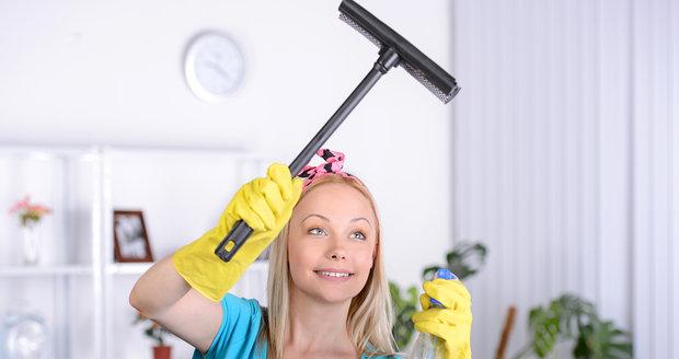 Dokonale čistá okna: 5 rad, jak to dělějí profesionálové