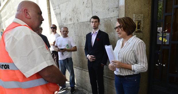 Zástupce taxikářů Holcman se sešel s primátorkou Krnáčovou minulý týden. Tehdy na sebe křičeli, teď našli společnou řeč.