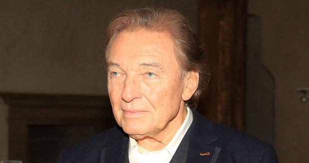 Karel Gott má rakovinu mízních uzlin.