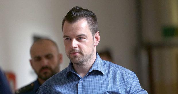 Kramného se zastal ministr Robert Pelikán.