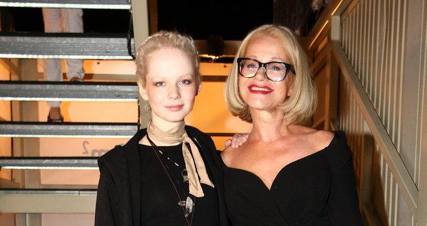 Jitka Asterová s dcerou Annou Linhartovou