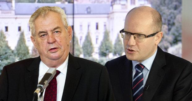 Sobotka zkritizoval Zemana za vystoupení s extremisty.