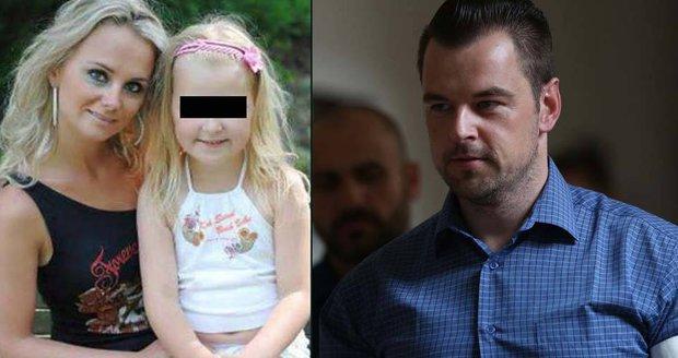 Monika a Klárka zemřely po zásahu elektrickým proudem před dvěma lety v Egyptě. Podle soudu je zabil Petr Kramný.